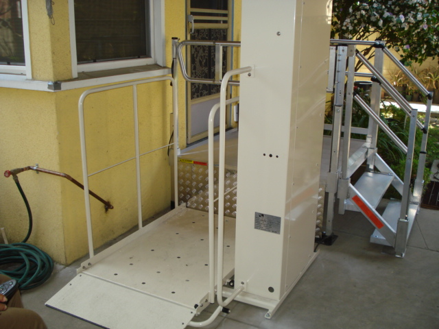 San Francisco Ca. mobile home porch lift
